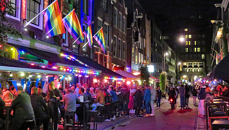 Reguliersdwarsstraat by night